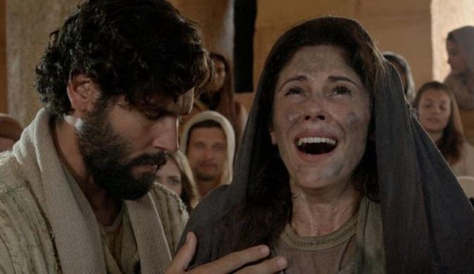 Jesus cura a mulher encurvada, e mesmo assim é questionado por Anás