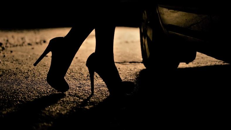 'Vivia assombrada, hoje tenho paz comigo mesma', diz ex-prostituta