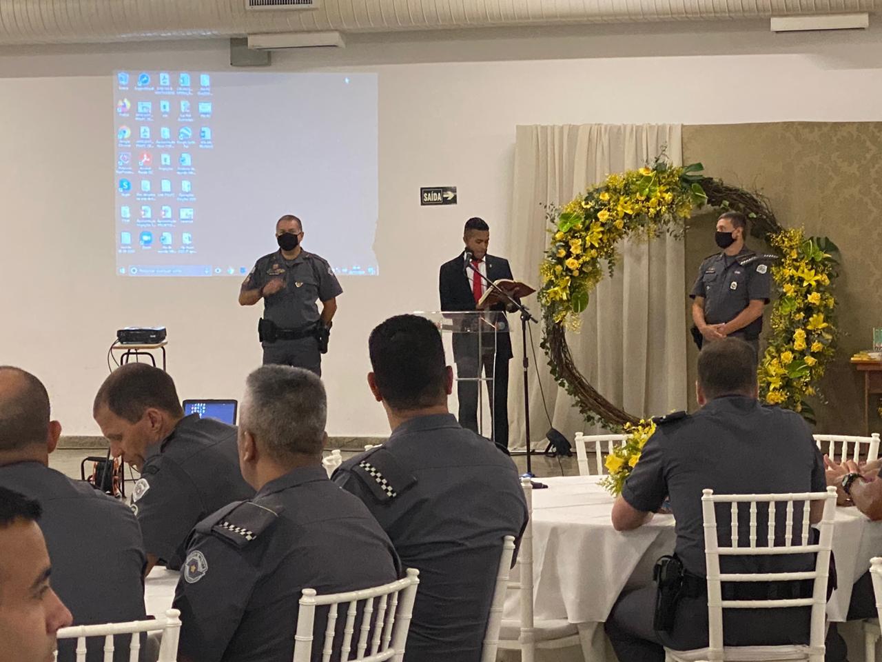 UFP de Praia Grande leva a mensagem da fé a oficiais de evento militar