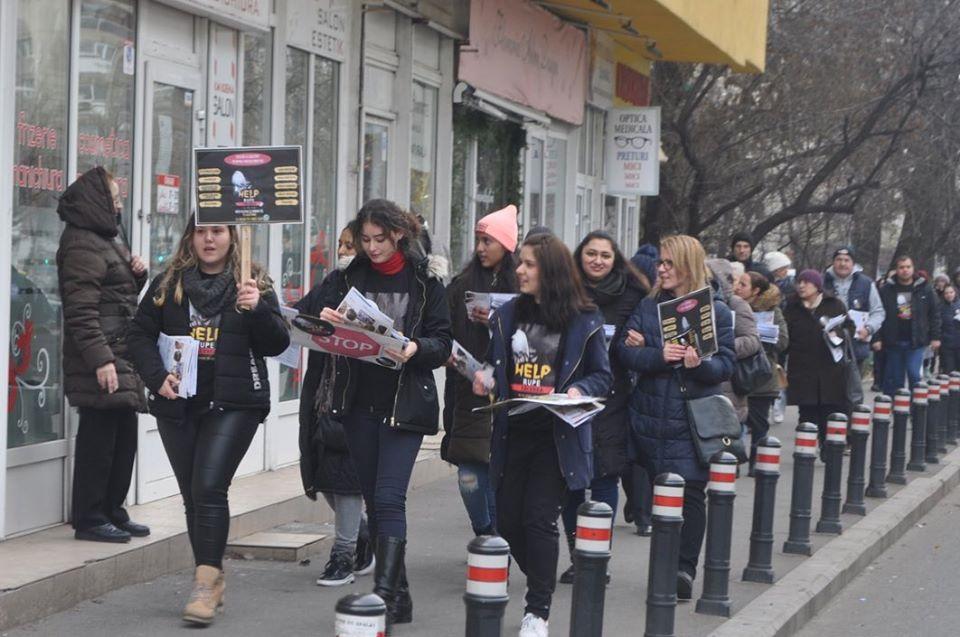 Caminhada em Bucareste conscientiza sobre como vencer a depressão