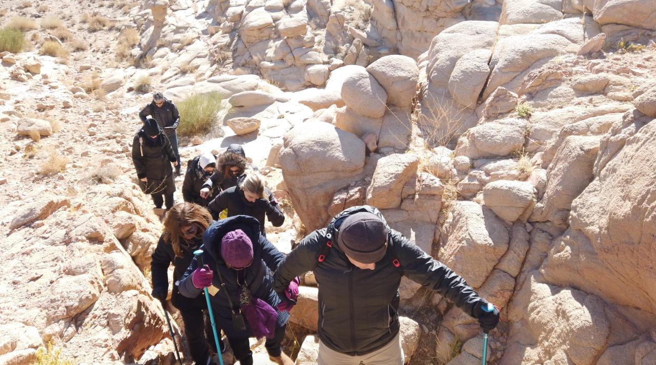 Cobertura completa da subida ao Monte Sinai