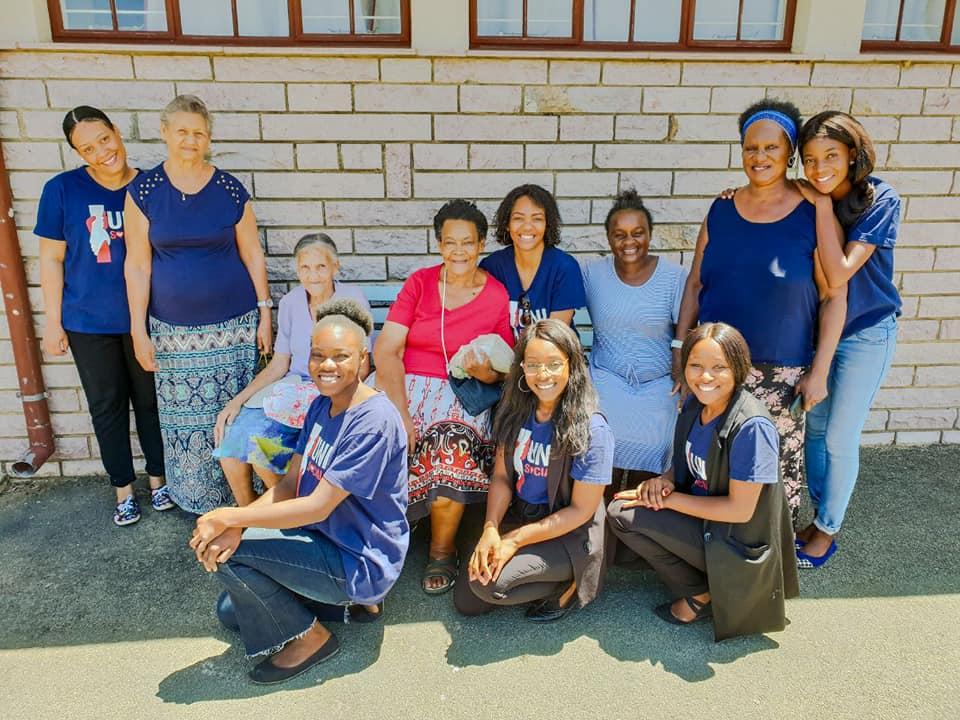 Voluntários do Unisocial visitam idosos que vivem em casas de repouso na Namíbia