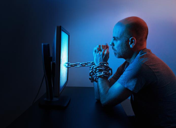 """""""A pornografia me deixou impotente"""", afirma ex-funcionário de site pornô"""