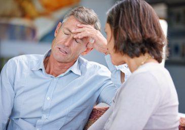 Após 23 anos de casamento, ele não ama mais a esposa
