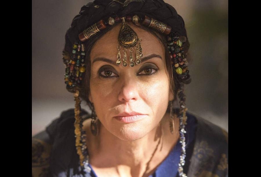 Flávia Monteiro recebe orientação de doula para fazer parto de Abrão em Gênesis