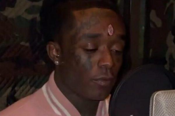 Rapper americano implanta diamante rosa na testa