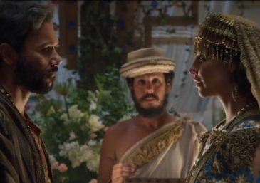 Gênesis: Noé e sua família entram na arca, que se fecha
