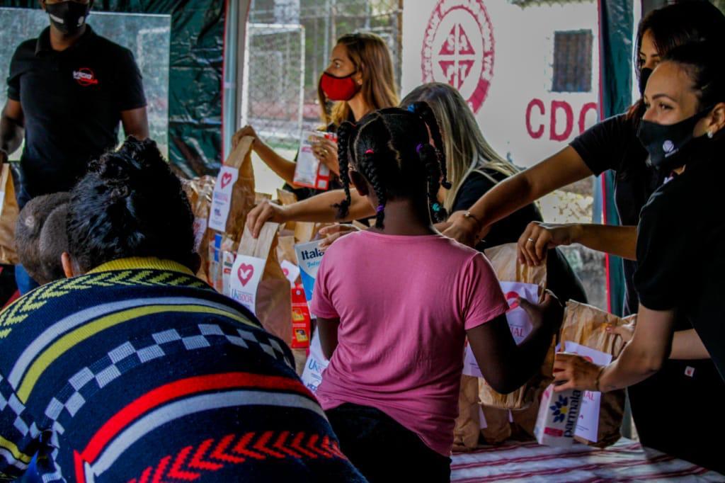 120 famílias recebem doação de alimentos