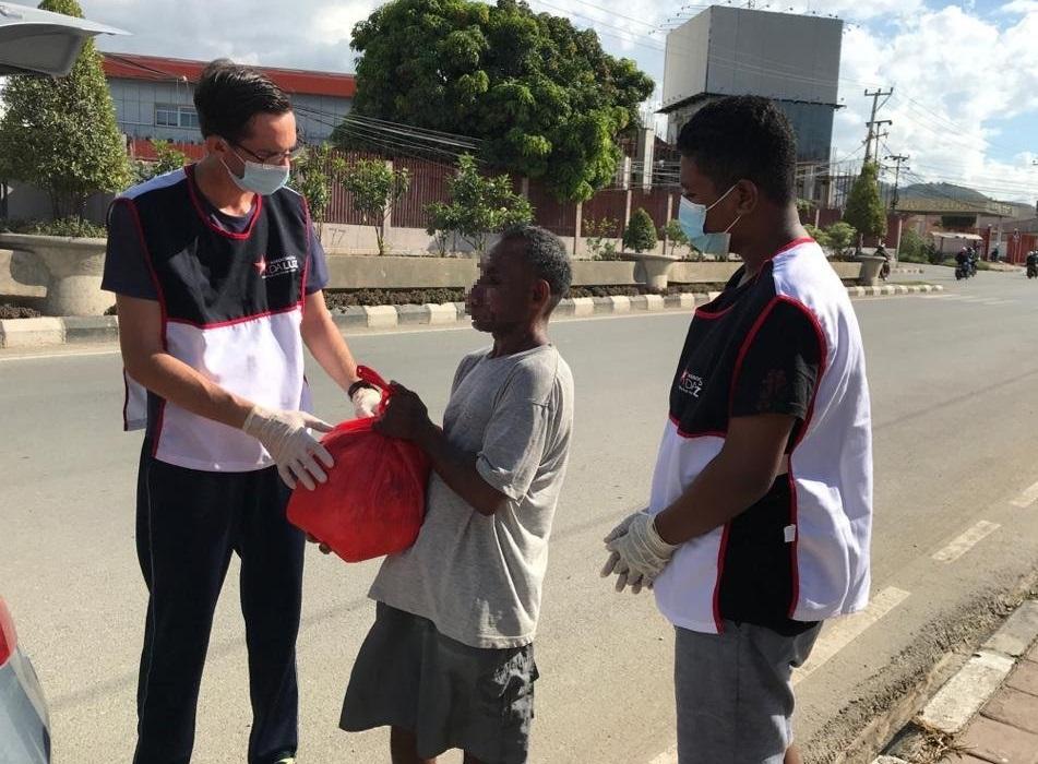 Timor-Leste: Famílias que perderam tudo com ciclone recebem ajuda humanitária