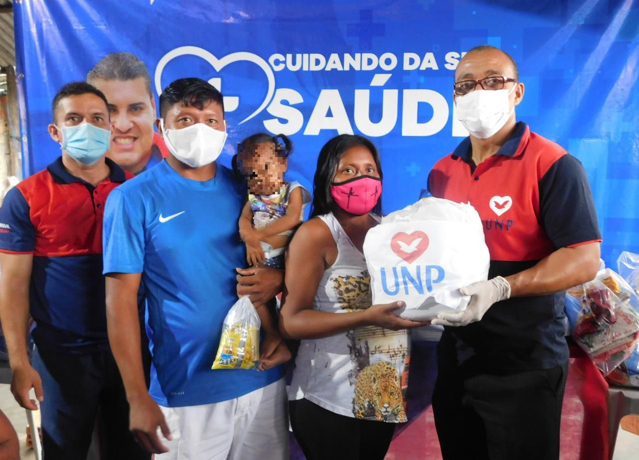 Índios do Pará recebem assistência social dos voluntários da UNP