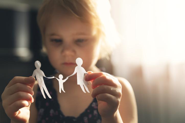 Feminicídio deixa 2 mil crianças órfãs por ano no Brasil