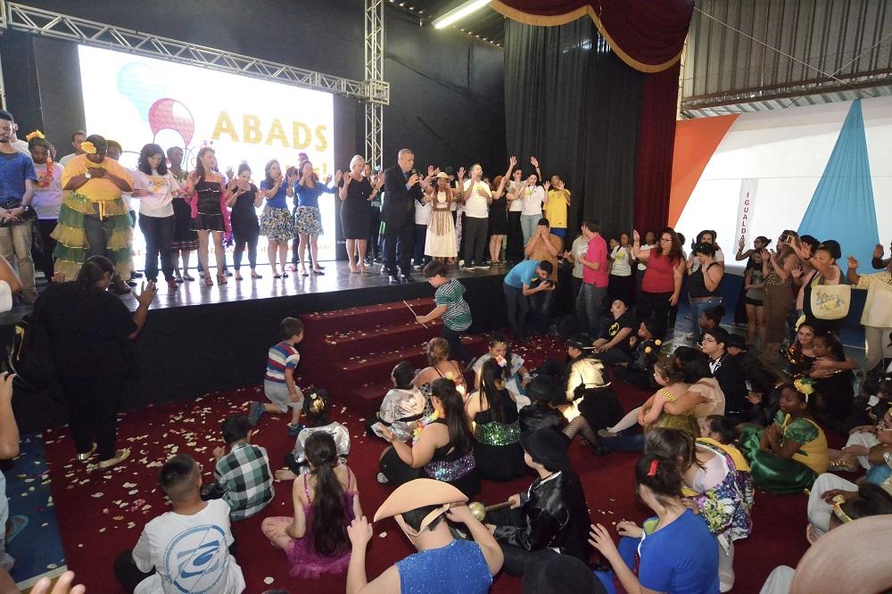 ABADS celebra 65 anos de apoio ao próximo2 min read