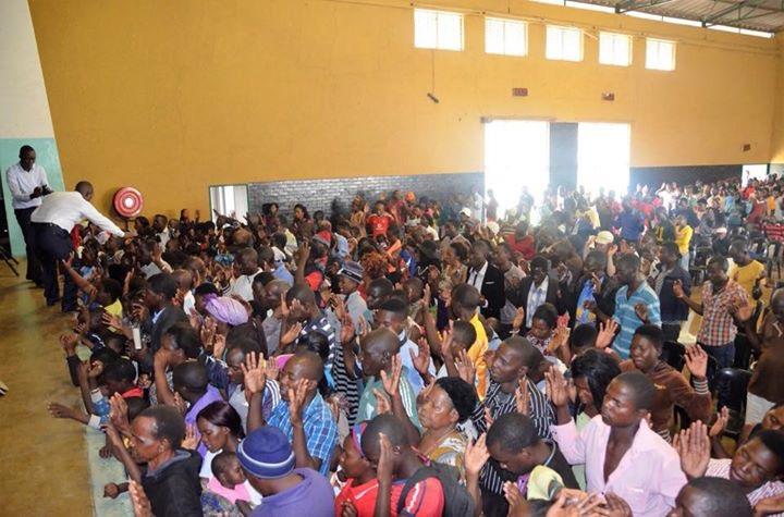 África: primeira reunião em comunidade do Zimbábue3 min read