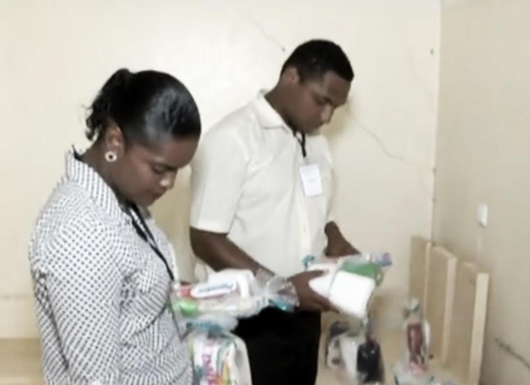 Universal de Cabo Verde realiza doação em presídio