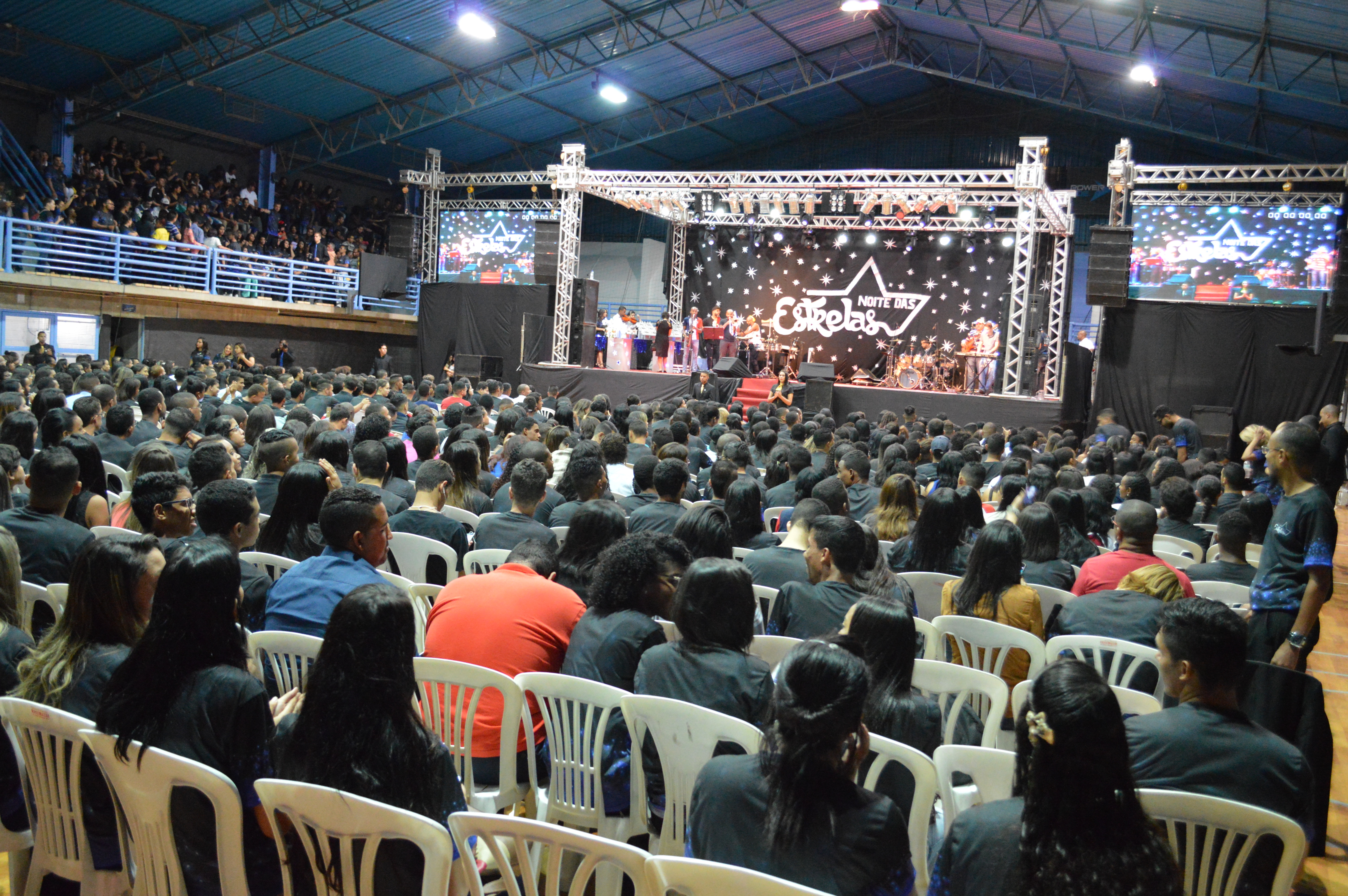 """""""Noite das Estrelas"""", em Minas Gerais, reúne 4 mil pessoas2 min read"""