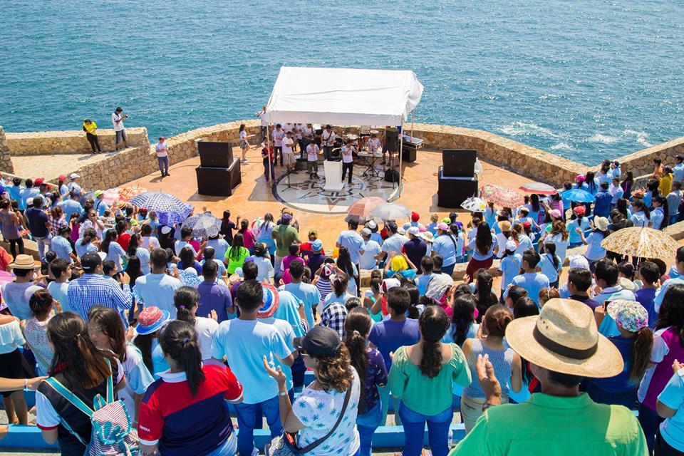 """Playa Fest"" reúne jovens em Acapulco, no México3 min read"
