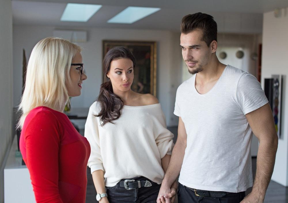 """""""Moro há um ano com meu namorado e ele ainda não se divorciou""""3 min read"""