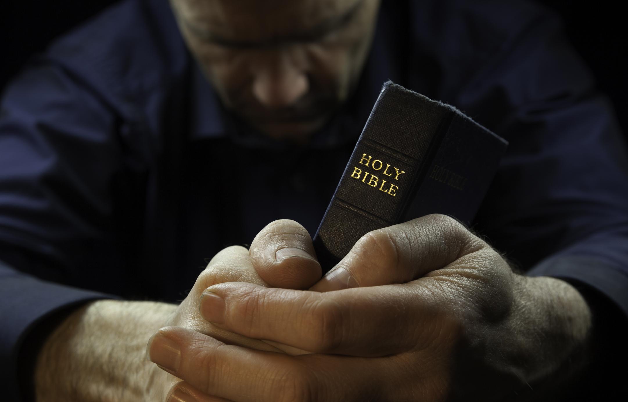 Bíblia em 1 ano – Leia o 208º dia12 min read