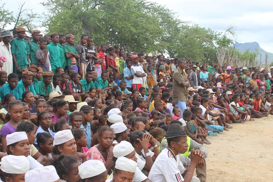 Eles percorreram 1,4 mil quilômetros para amparar necessitados em Madagascar2 min read