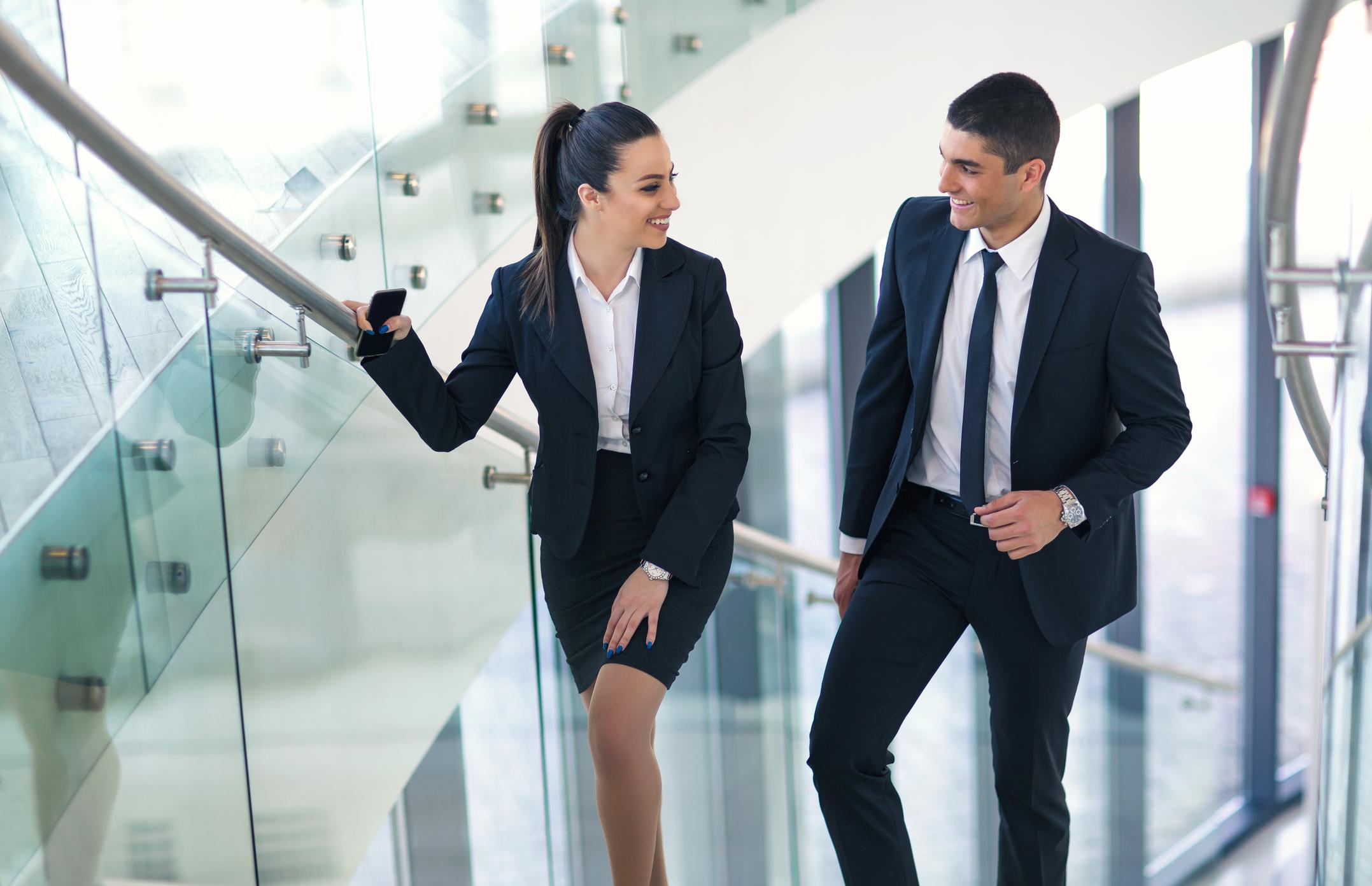 é possível ter sucesso no amor sem abrir mão da carreira?3 min read