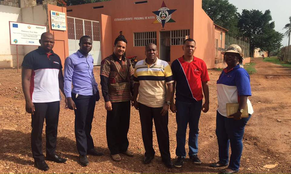 Voluntários da Universal de Guiné Bissau visitam detentos do maior presídio do país2 min read