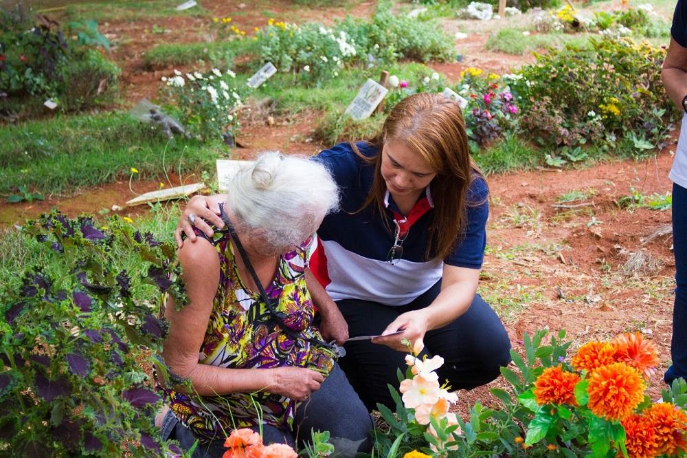 A Universal realiza ações semanais em cemitérios de todo o Brasil