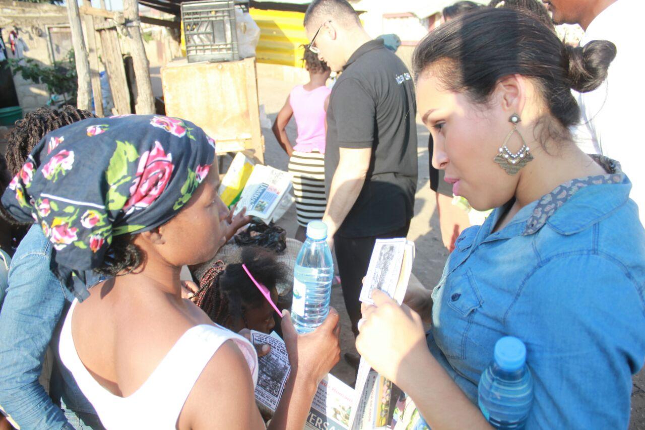 Evangelistas realizam ação em Xipamanine, bairro carente da capital moçambicana