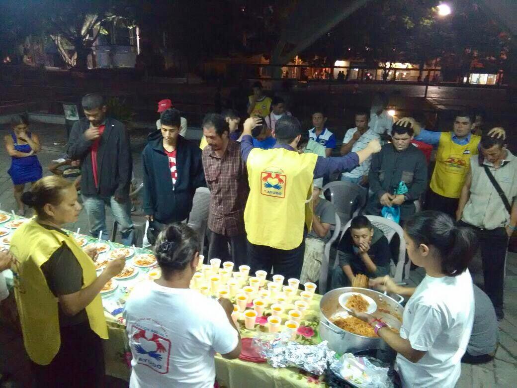 Grupo Anjos da Madrugada proporciona recomeço aos moradores de rua