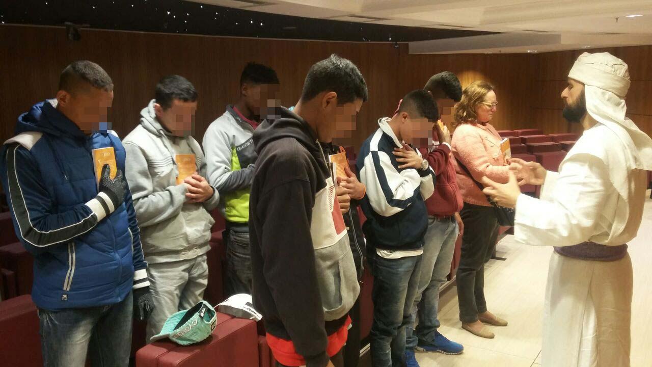 Jovens que cumprem medidas socioeducativas em São Paulo conhecem o Templo de Salomão