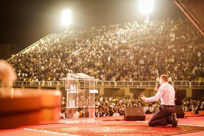 """""""Vigília do Regate com a Cura dos Vícios"""" reúne cerca de 70 mil pessoas no Rio de Janeiro"""