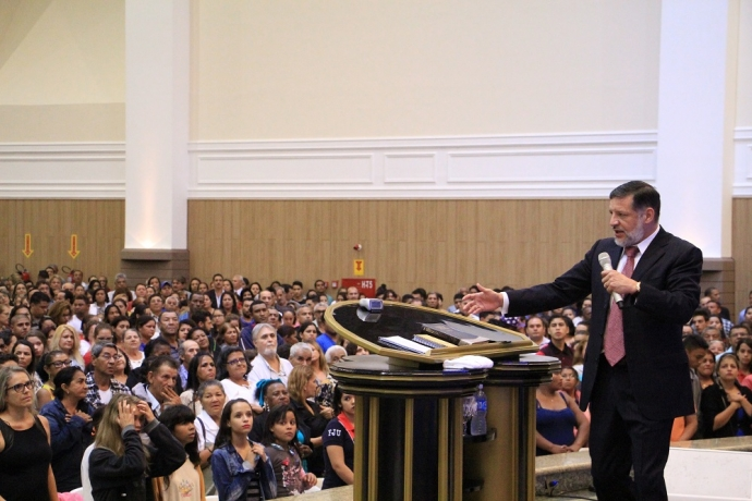 Desmanche Espiritual reúne 13 mil pessoas no MS2 min read
