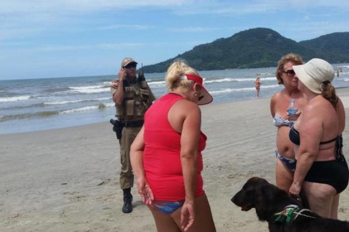 Deficiente visual é constrangida na praia2 min read