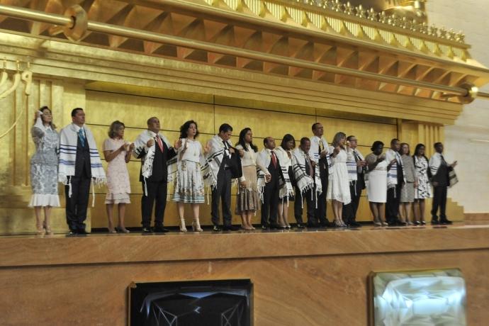 Novos bispos são consagrados em todo o Brasil2 min read