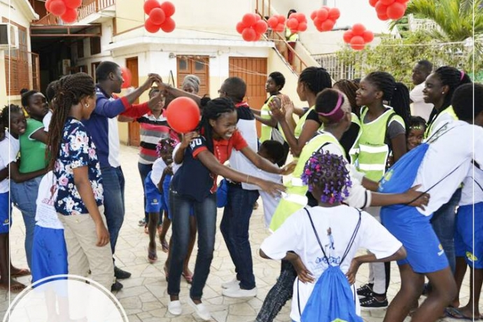 Voluntários do projeto Arcanjo visitam orfanato feminino em Luanda1 min read