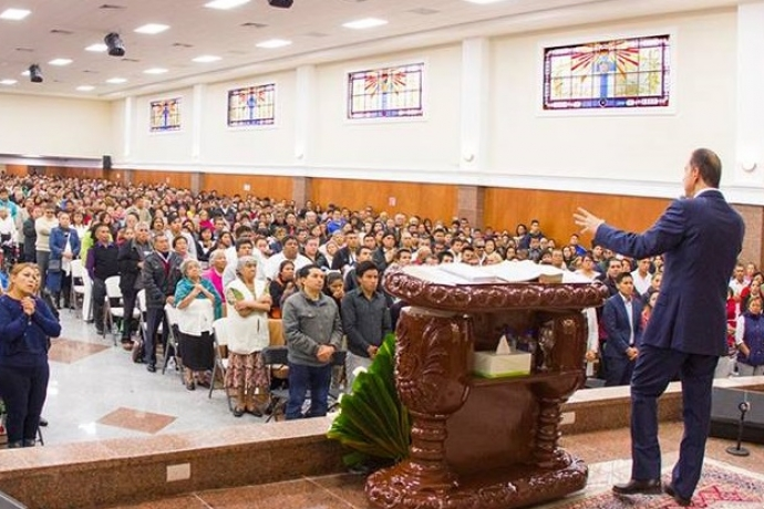 Universal inaugura novo templo no México3 min read