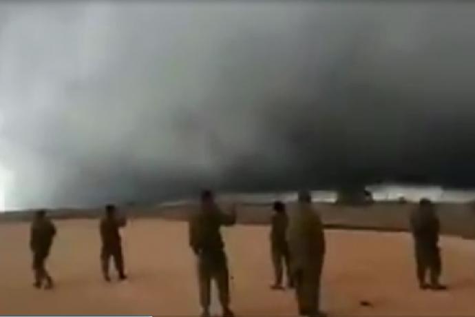 Coluna de nuvem na fronteira de Israel com a Síria desperta questionamentos1 min read