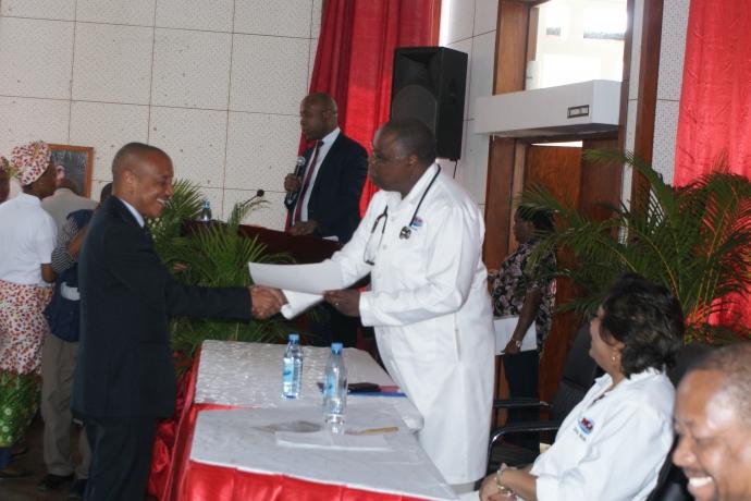 Ministério da Saúde de Moçambique homenageia Universal2 min read