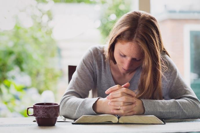 Por que ir à igreja se posso orar em casa?5 min read