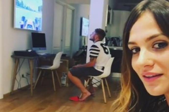 Esposa de craque do futebol italiano diz que ele prefere jogar videogame
