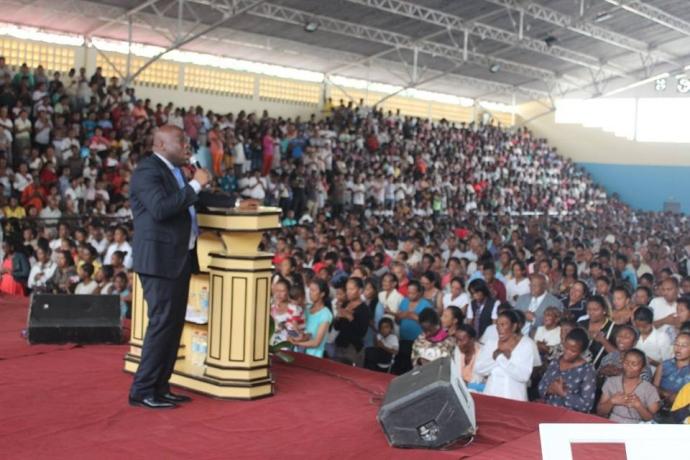 Encontro de fé da Universal reúne milhares de pessoas em Madagascar2 min read