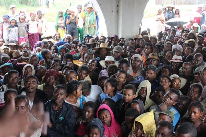 Eles percorreram 1,4 mil quilômetros para amparar necessitados em Madagascar