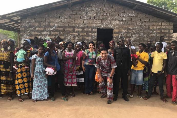Moradores de aldeia africana constroem templo da Universal com as próprias mãos3 min read