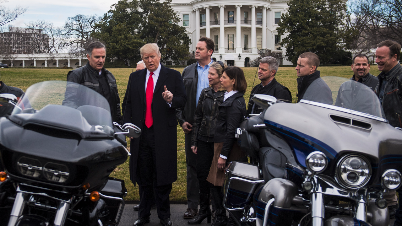 trump meets with executives from harley-davidson in washington