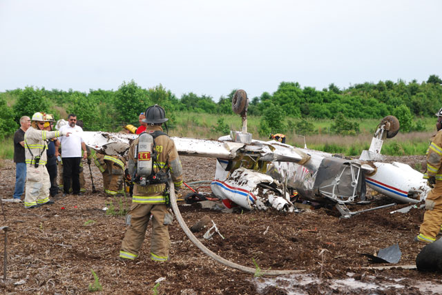 Plane crashes near I-95 in Stafford, pilot lives