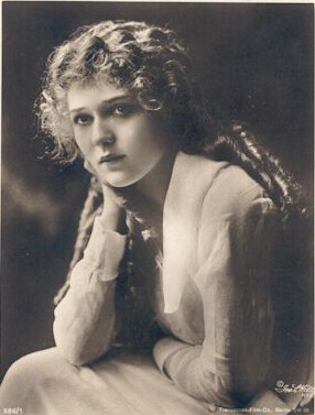 Mary Pickford Americas Sweetheart
