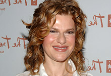 Sandra Bernhard Big Time Comedienne