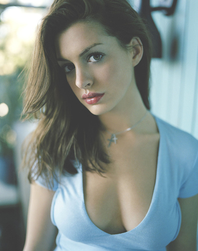 Anne Hathaway Beautiful Actress