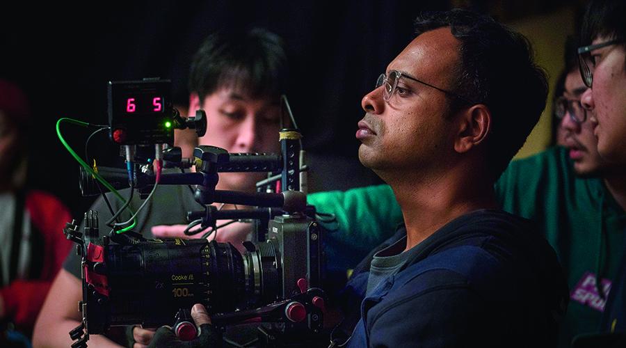 DoP Kartik Vijay frames a shot on the VENICE with Cooke anamorphic/i prime lens for the South Korean movie Ji Hun.