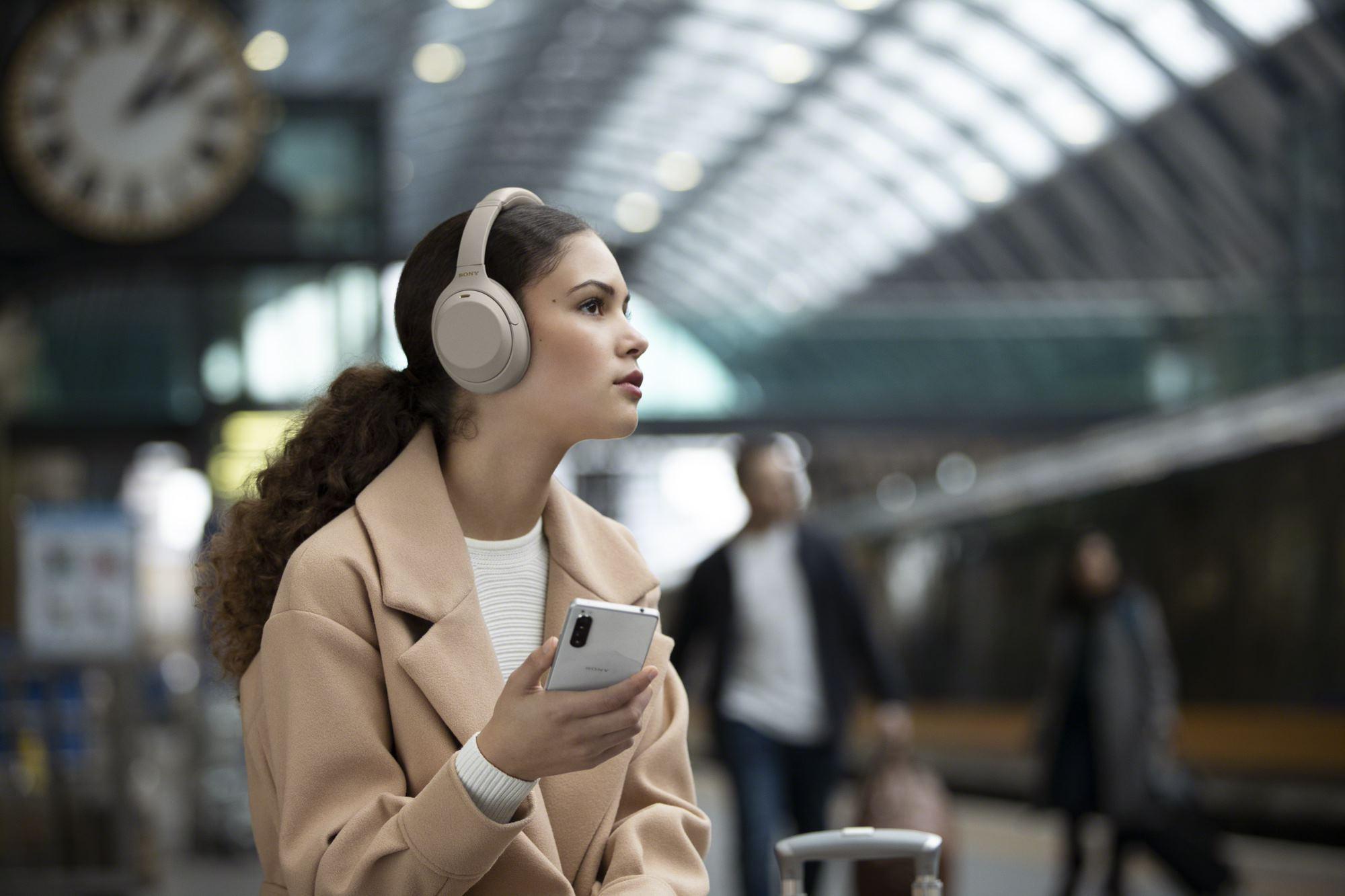 سوني الشرق الأوسط وأفريقيا تعلن عن طرح سماعات WH-1000XM4