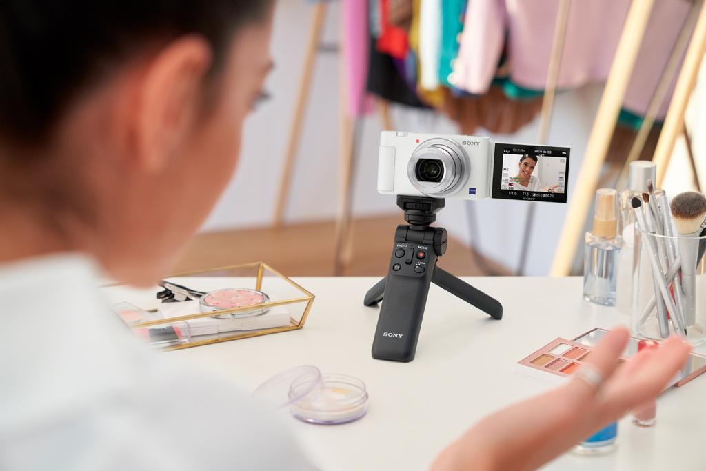 โซนี่ไทยอวดโฉมกล้องคอมแพ็คท์ ZV-1 สีขาวใหม่ล้ำเทรนด์ พร้อมเปิดให้สั่งจอง 26 ตุลาคม ศกนี้